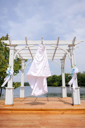 About Pine Cradle Lake Weddings