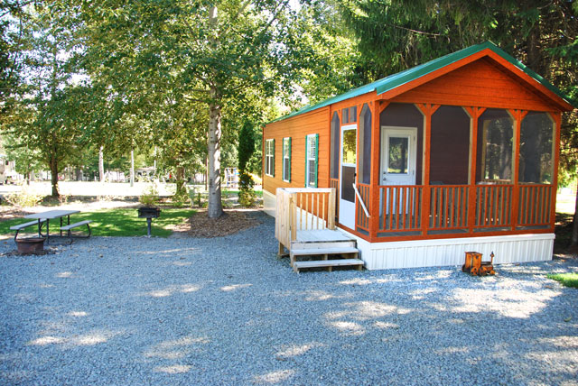 Cabin Amp Cottage Rentals Pine Cradle Lake Family Campground